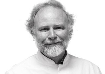 Prof. Dr. Erik Teske